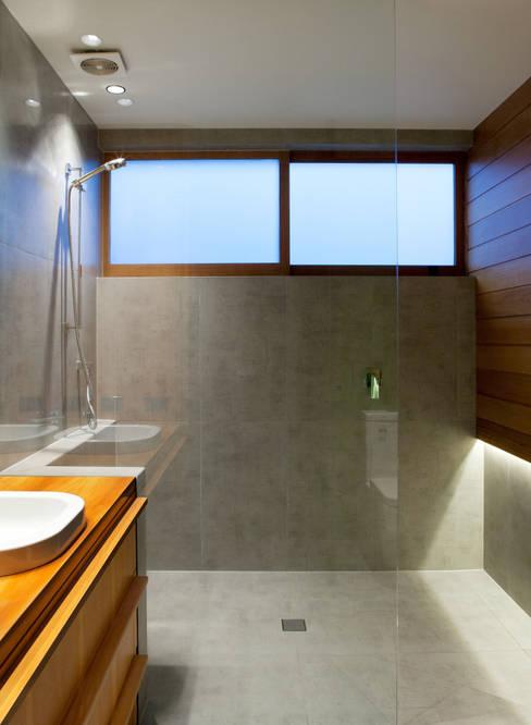 Dorrington Atcheson Architects의  욕실