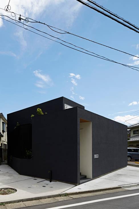 Maisons de style  par 石井秀樹建築設計事務所