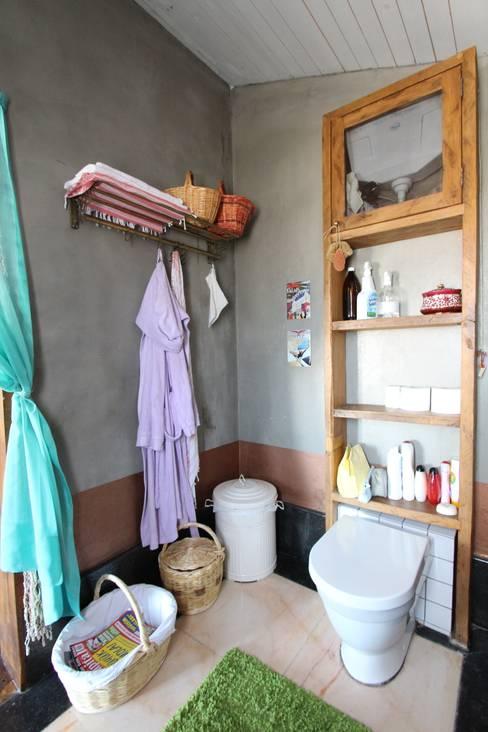 Orkun İndere Interiors:  tarz Banyo