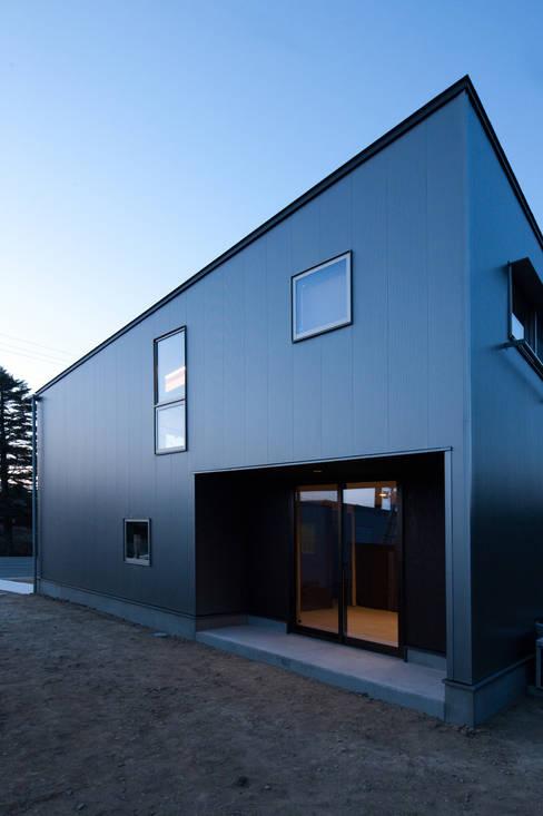 前原尚貴建築設計事務所/Naotaka Maehara Architectural Design Office의  주택
