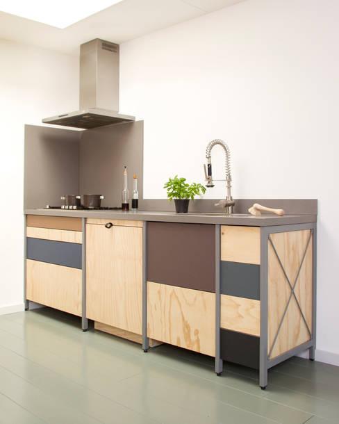 Constructieve keuken:  Keuken door Studio Mieke Meijer