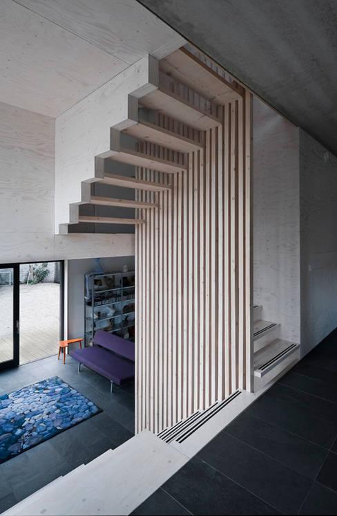 Living room by groenesteijn  architecten