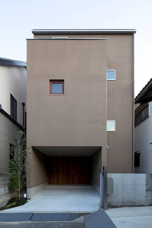 都市型アウトドアハウス: ラブデザインホームズ/LOVE DESIGN HOMESが手掛けた一戸建て住宅です。