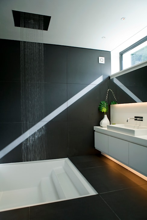 Hill House:  Bathroom by Lipton Plant Architects