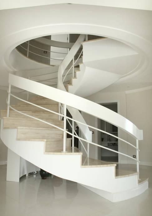 As Tasarım - Mimarlık – J.A. KESEN ÇEŞME VİLLASI:  tarz İç Dekorasyon