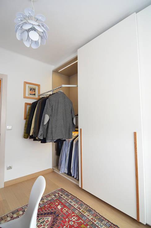 Projekty,  Garderoba zaprojektowane przez Trestrastos