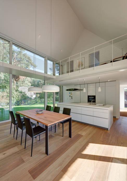 Dining room by Möhring Architekten
