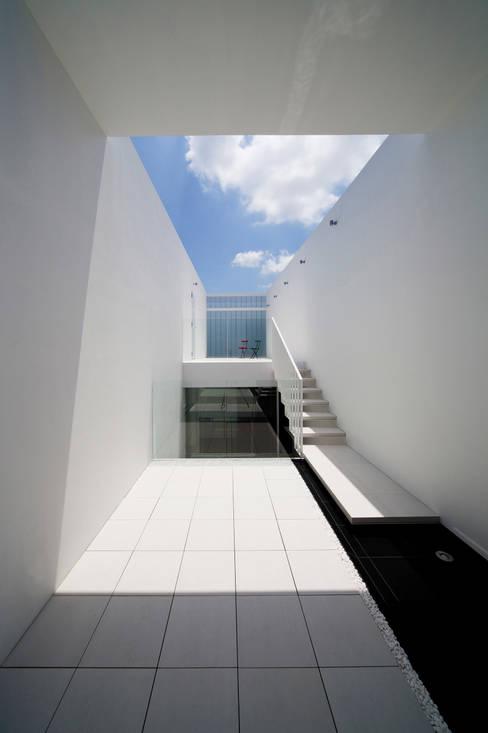 Patios by YUCCA design