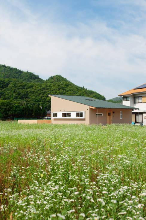 Rumah by 内田建築デザイン事務所