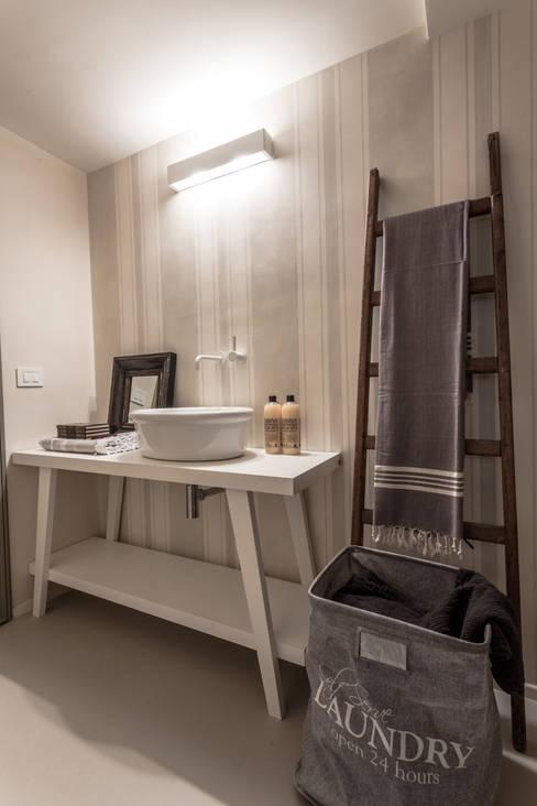 Projekty,  Łazienka zaprojektowane przez Lucia Bentivogli Architetto