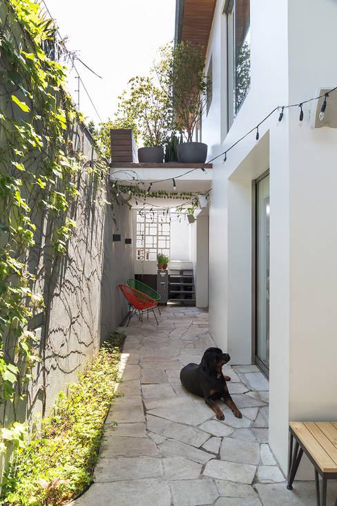 Garden by SALA2 arquitetura e design