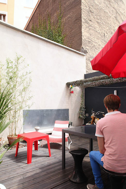 + LE GARAGE: Jardin de style  par SPACE MAKER