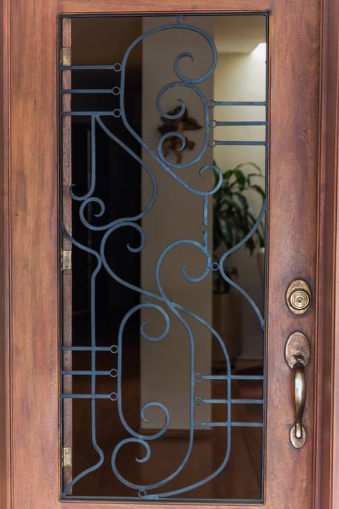 Projekty,  Okna i drzwi zaprojektowane przez Mikkael Kreis Architects