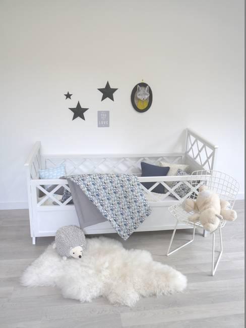 Chambre bébé/enfant EKlerLa thème Queue for the Zoo: Chambre d'enfants de style  par EKlerLa