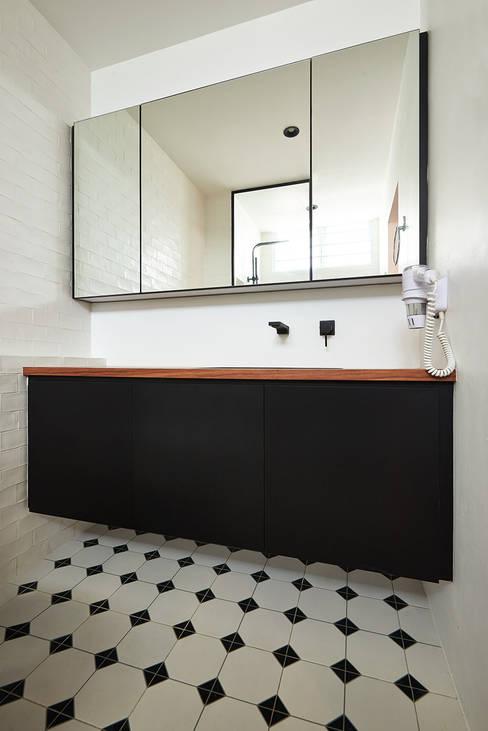 Scandustrial Theme:  Bedroom by Eightytwo Pte Ltd