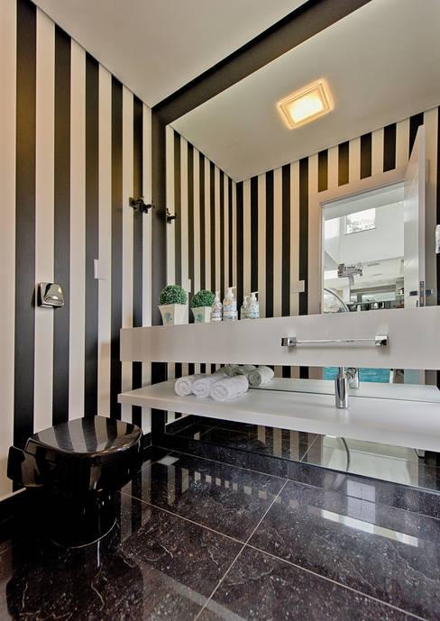 Espaço do Traço arquiteturaが手掛けた浴室