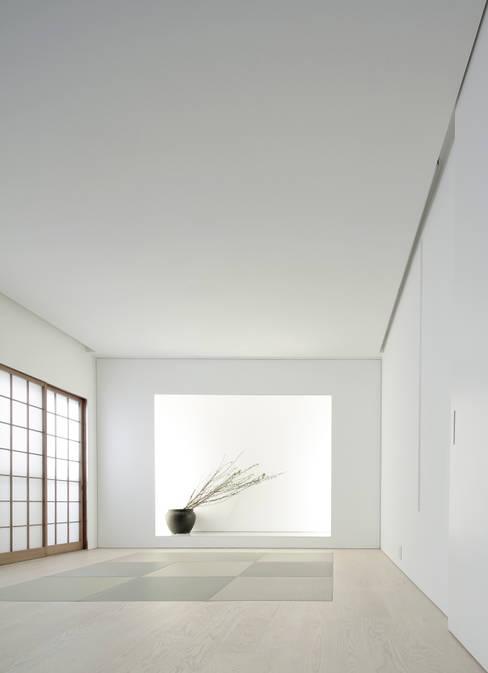 House for Installation: Jun Murata       JAMが手掛けたリビングです。