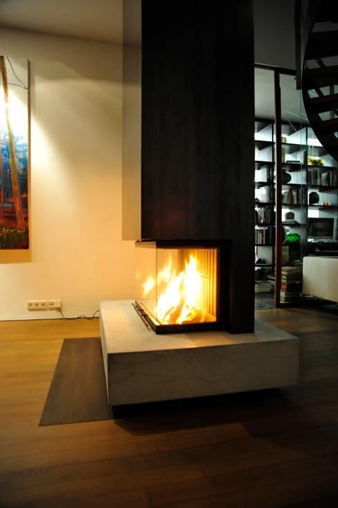 Atelier und Wohnhaus:  Wohnzimmer von SNAP Stoeppler Nachtwey Architekten BDA Stadtplaner PartGmbB