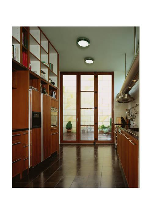 Atelier und Wohnhaus:  Küche von SNAP Stoeppler Nachtwey Architekten BDA Stadtplaner PartGmbB