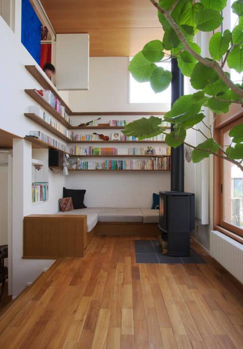 Projekty,  Salon zaprojektowane przez 長浜信幸建築設計事務所