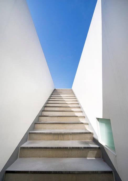 الممر والمدخل تنفيذ hyunjoonyoo architects