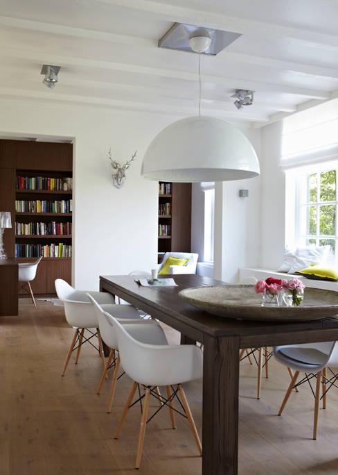Villa Borkeld:  Eetkamer door reitsema & partners architecten bna