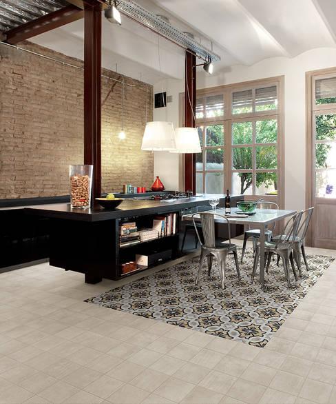 Cementine 20 e Black & White - Fioranese: Cucina in stile  di Ceramiche Addeo