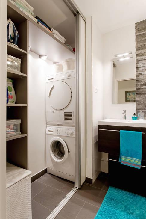Salle de bains/buanderie / rangement/machines à laver /étagères: Salle de bain de style  par Am by Annie Mazuy