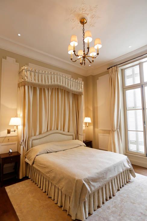 Bedroom by Oficina Inglesa