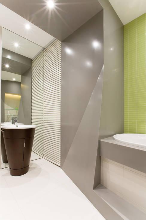 Banheiros  por ARTRADAR ARCHITECTS