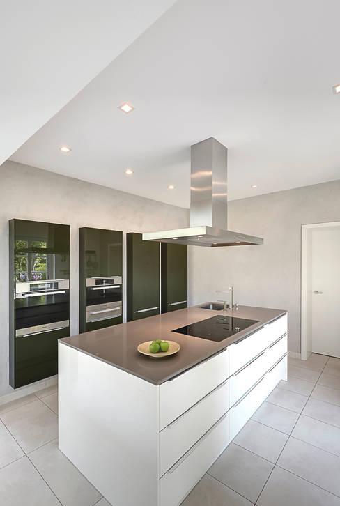 Kitchen by 28 Grad Architektur GmbH