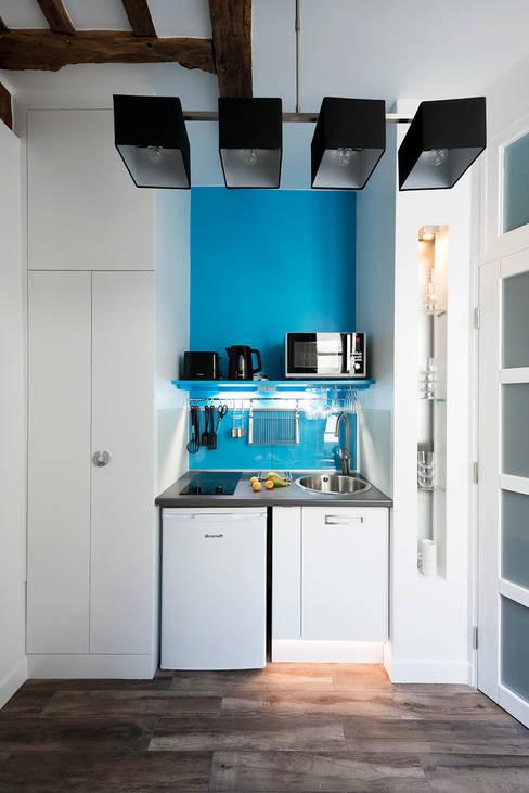 Kitchen by Bertina Minel architecture