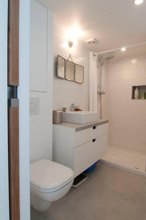 Bathroom by phdvarvhitecture