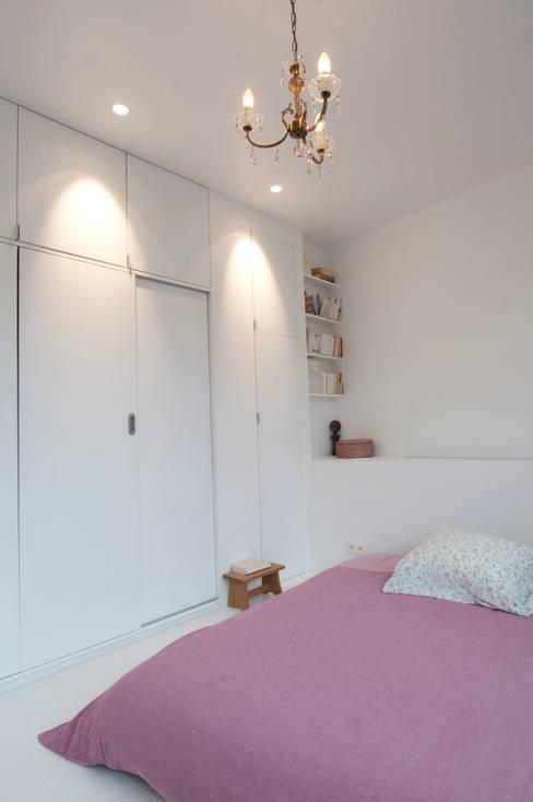 Bedroom by phdvarvhitecture