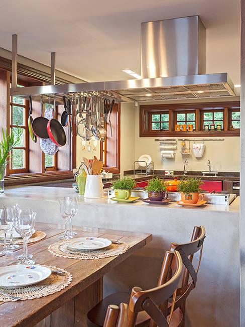 Isabela Bethônico Arquitetura:  tarz Yemek Odası