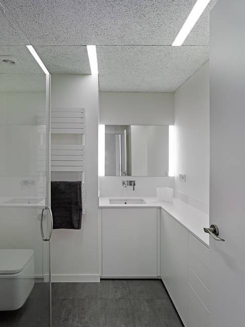 Badkamer door Castroferro Arquitectos