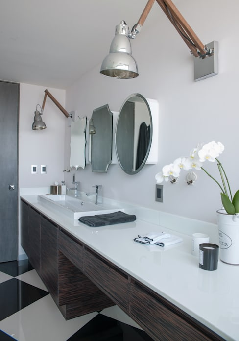 Bathroom by kababie arquitectos