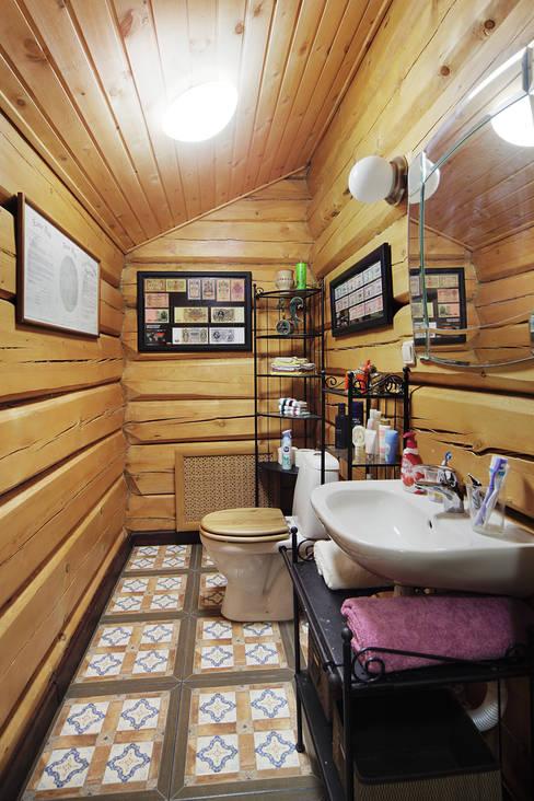 Коттедж в Сысерти: Ванные комнаты в . Автор – Ирина Шаманова