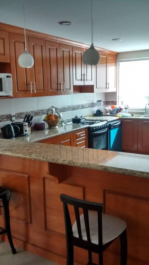 Kitchen by ISLAS & SERRANO ARQUITECTOS