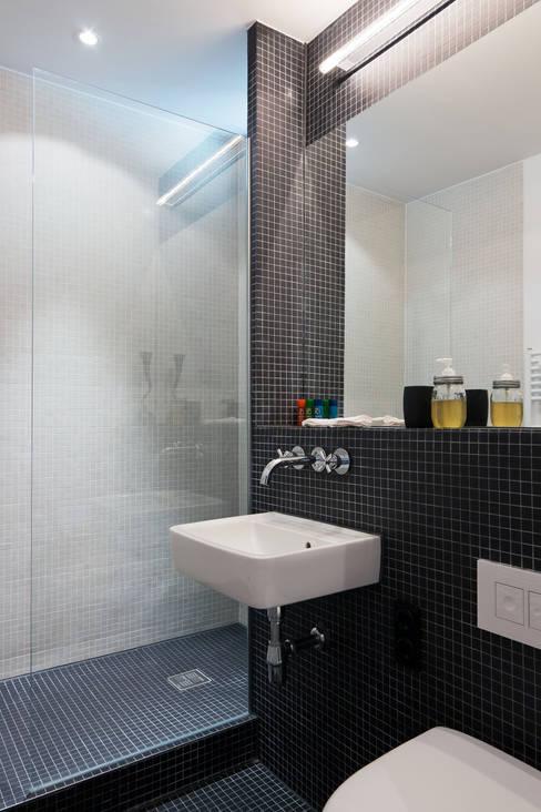 Bathroom by paola bagna
