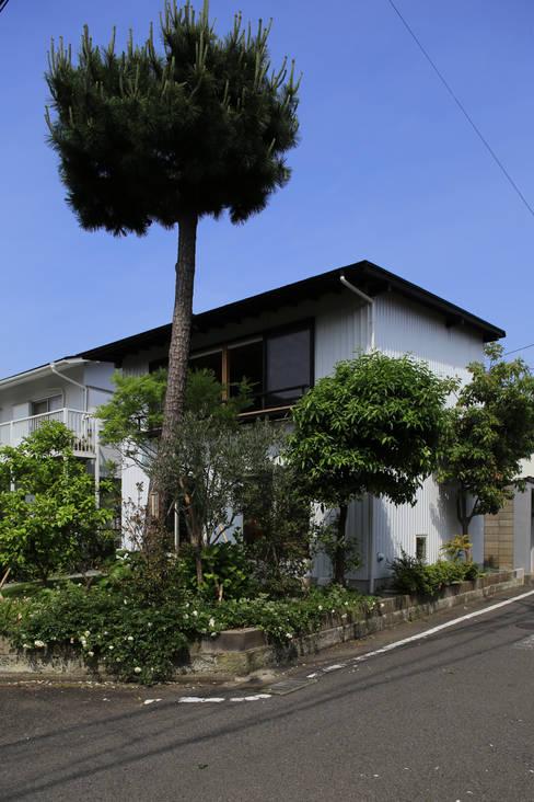 Casas  por 早田雄次郎建築設計事務所/Yujiro Hayata Architect & Associates