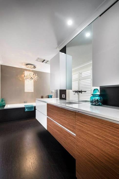 Bathroom by Moda Interiors