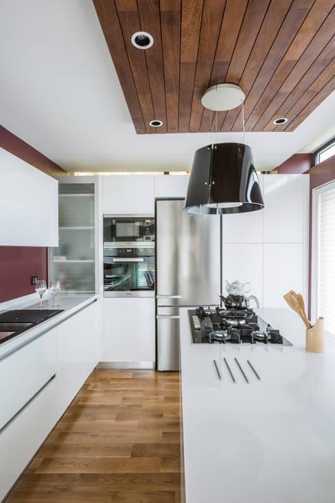 Bahadır Kul Architects – BK House:  tarz Evler