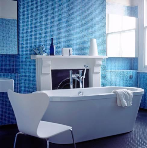 Bathroom by Jonathan Clark Architects