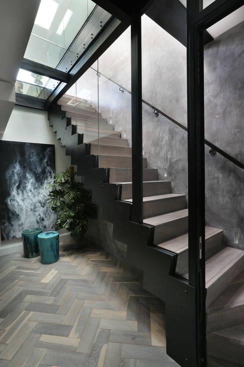 Alex Maguire Photographyが手掛けた廊下 & 玄関