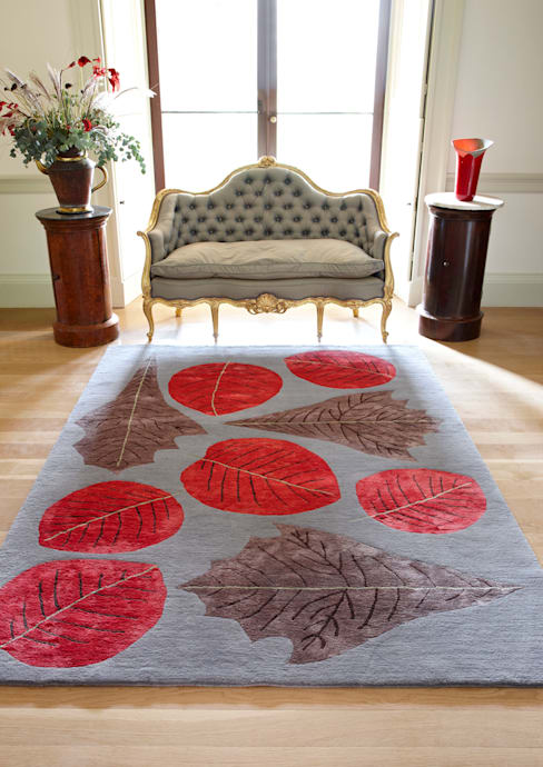 Deirdre Dyson AUTUMN LEAVES hand knotted wool and silk rug:  Living room by Deirdre Dyson LLP