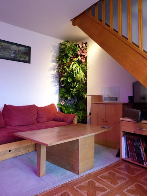 Mur végétal intérieur VERTICAL FLORE: Paysagisme d'intérieur de style  par Vertical Flore