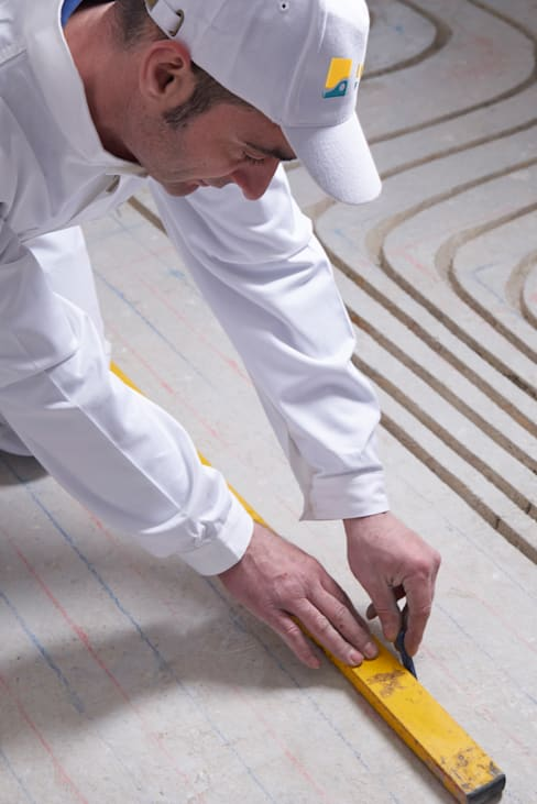 Aufzeichnen der Kanalspuren:  Wohnzimmer von INTOFLOOR Fußbodenheizung
