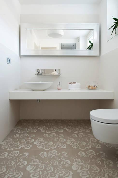 ห้องน้ำ by FASE ARCHITETTI ASSOCIATI