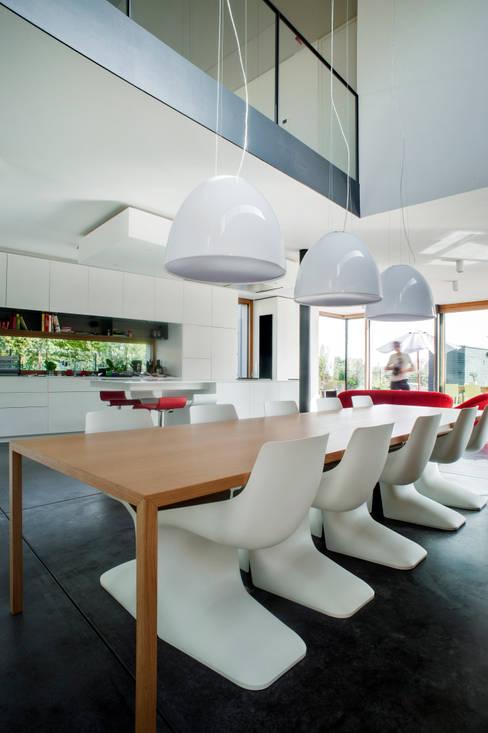 Столовые комнаты в . Автор – STEINMETZDEMEYER architectes urbanistes
